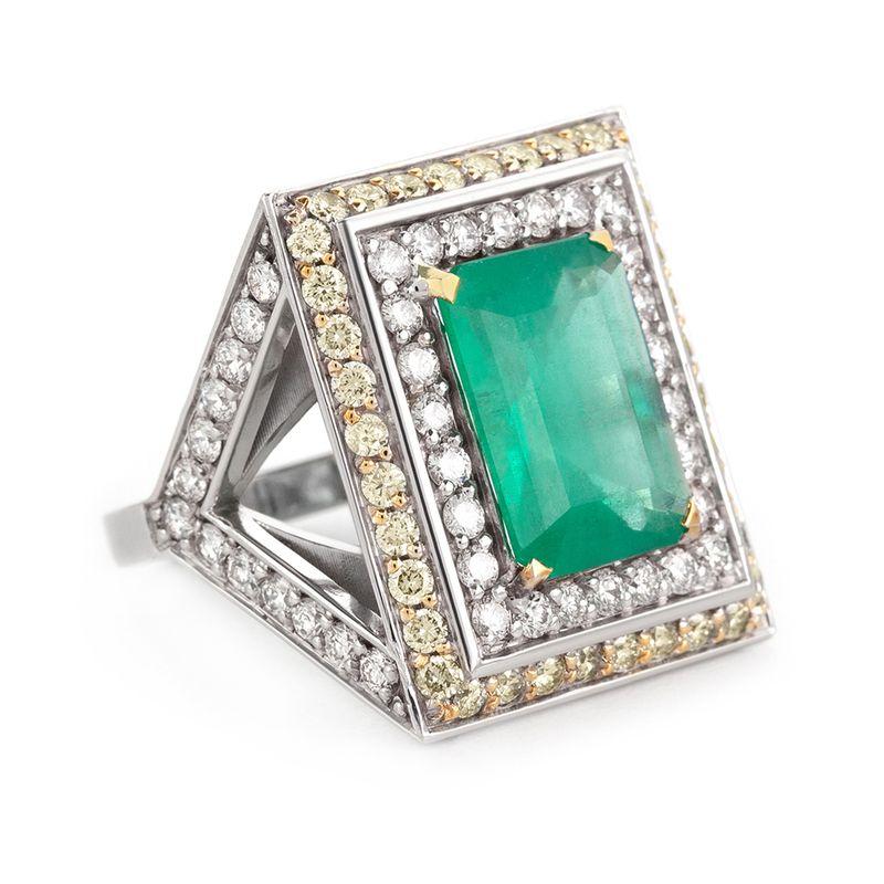 anel-ouro-branco-esmeralda-fancy-brilhantes-lateral