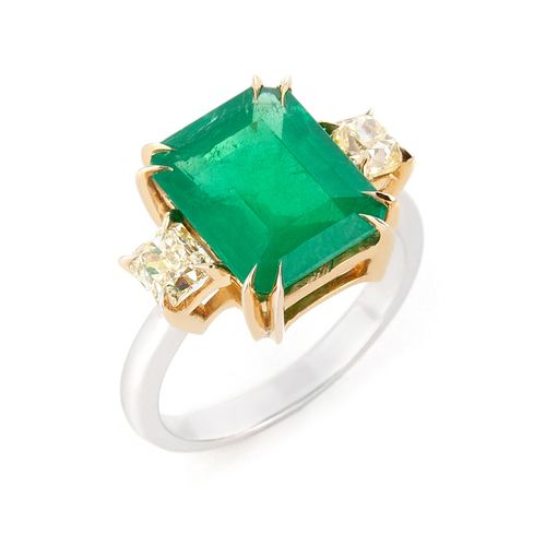 Anel esmeralda e diamantes fancy yellow