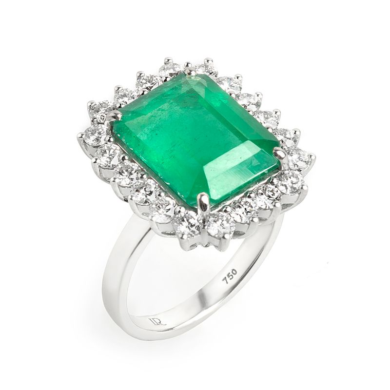 anel-esmeralda-63-brilhantes-maior-lateral