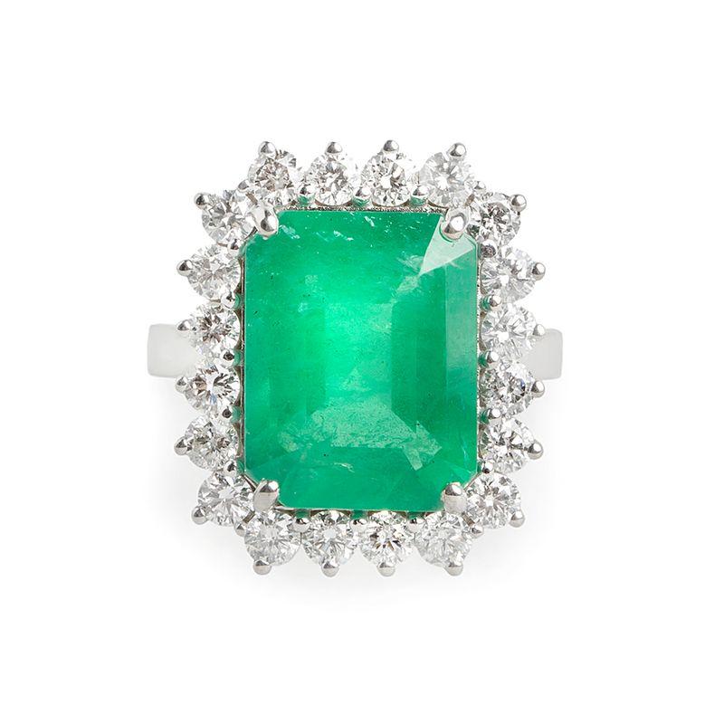 anel-esmeralda-63-brilhantes-maior-frontal