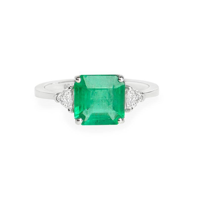 anel-esmeralda-trillion-frontal