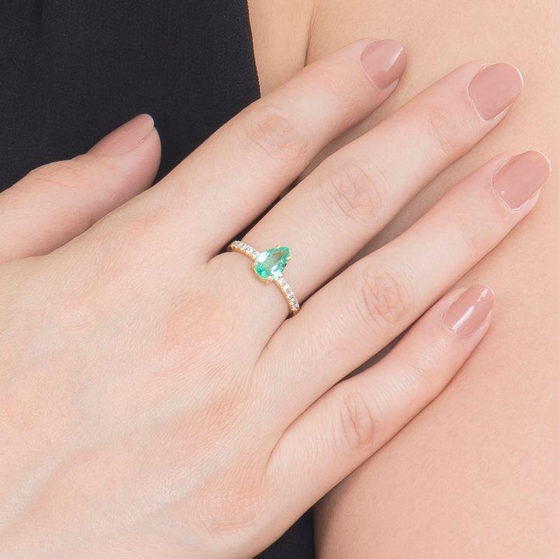 modelo-anel-esmeralda-colombiana-brilhantes-brancos-detalhe-ANOAESM17800