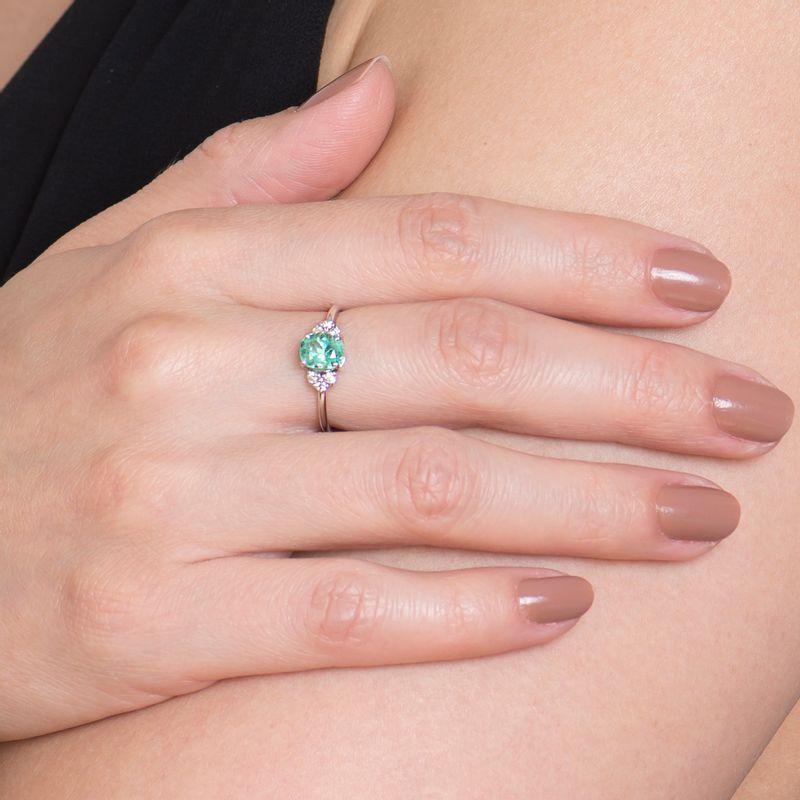modelo-anel-esmeralda-colombiana-91-pontos-brilhantes-detalhe-ANOBESM385700